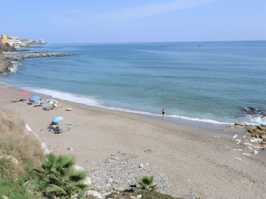 plaże Benalmadeny prowincja Malaga